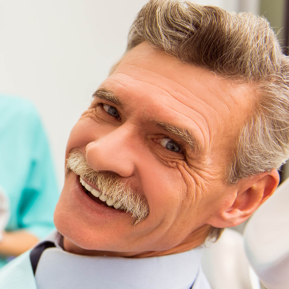 Full vs. Partial Dentures: Which Should I Choose?